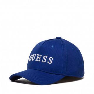 Детска шапка с козирка и надпис Guess