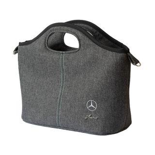 Получавате бебешка количка Mercedes-Benz с включена чанта за аксесоари