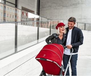 Детска количка в червен цвят Mercedes-Benz Avantgarde