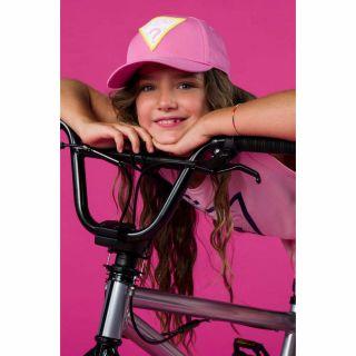 Guess детска розова шапка с козирка за момиче