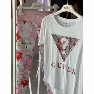 Guess детска тениска с флорални мотиви